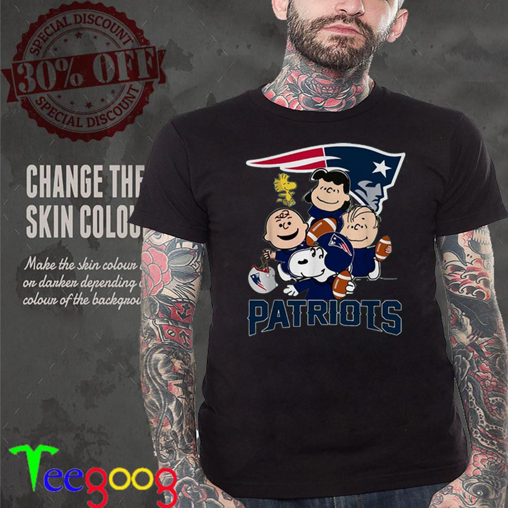 Charlie Brown Peanuts Snoopy New England Patriots shirt
