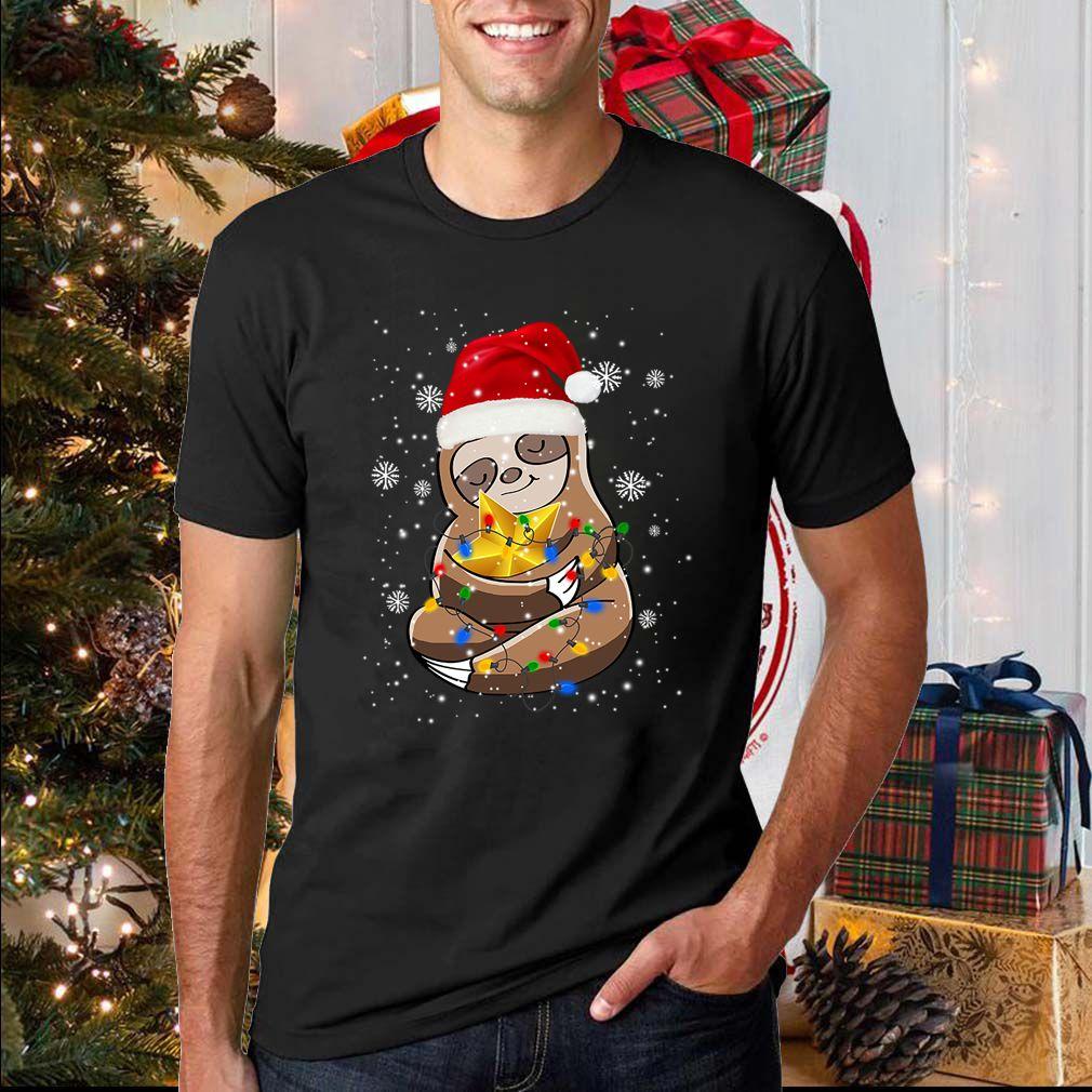 Cute Sloth In Santa Hat Christmas Lights Gift T-Shirt