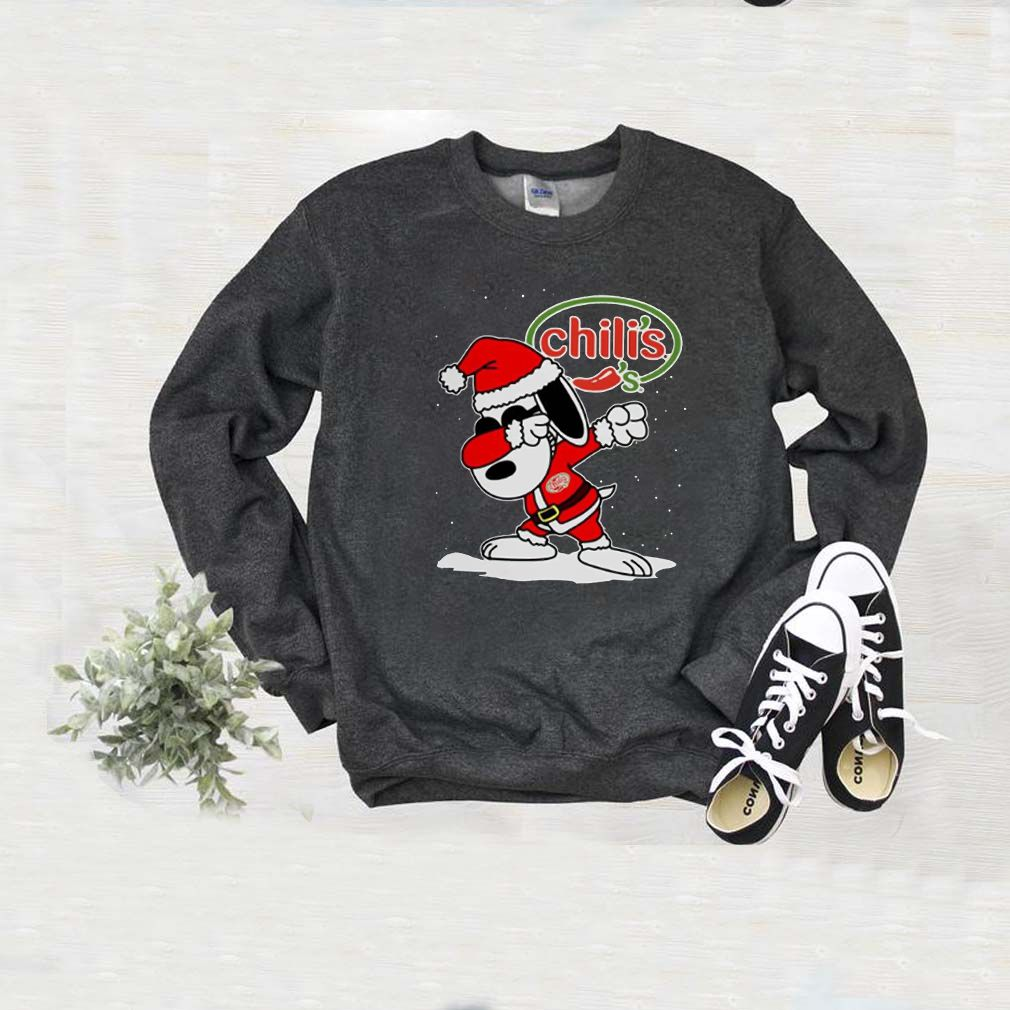 Santa Snoopy Chili's Merry Christmas Xmas Shirt