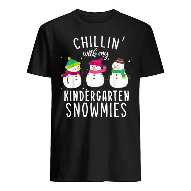 Chillin' with my kindergarten snowmies Christmas Guys t-shirt
